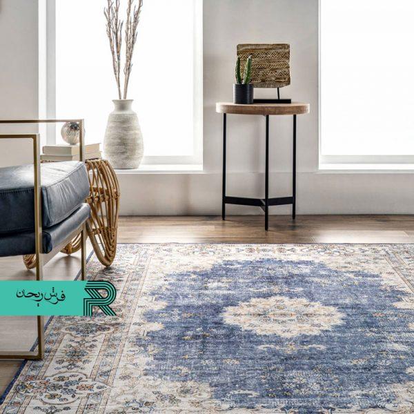فرش کهنه نما وینتیج قدیمی شده زمینه سرمه ای یا آبی