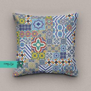 کوسن مخمل قابل شستشو طرح سنتی اسلیمی زمینه آبی سفید